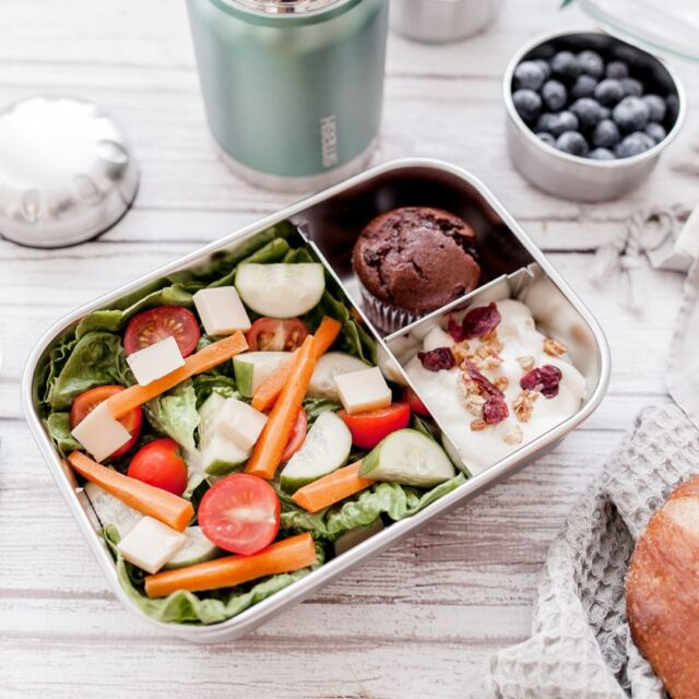 Carry your lunch around in STYLE! 💁🏻♀️ Our Smash Blue 3 Compartment Bento Box is Leak Proof, Durable and Sustainable! @ourlifeinsquares_